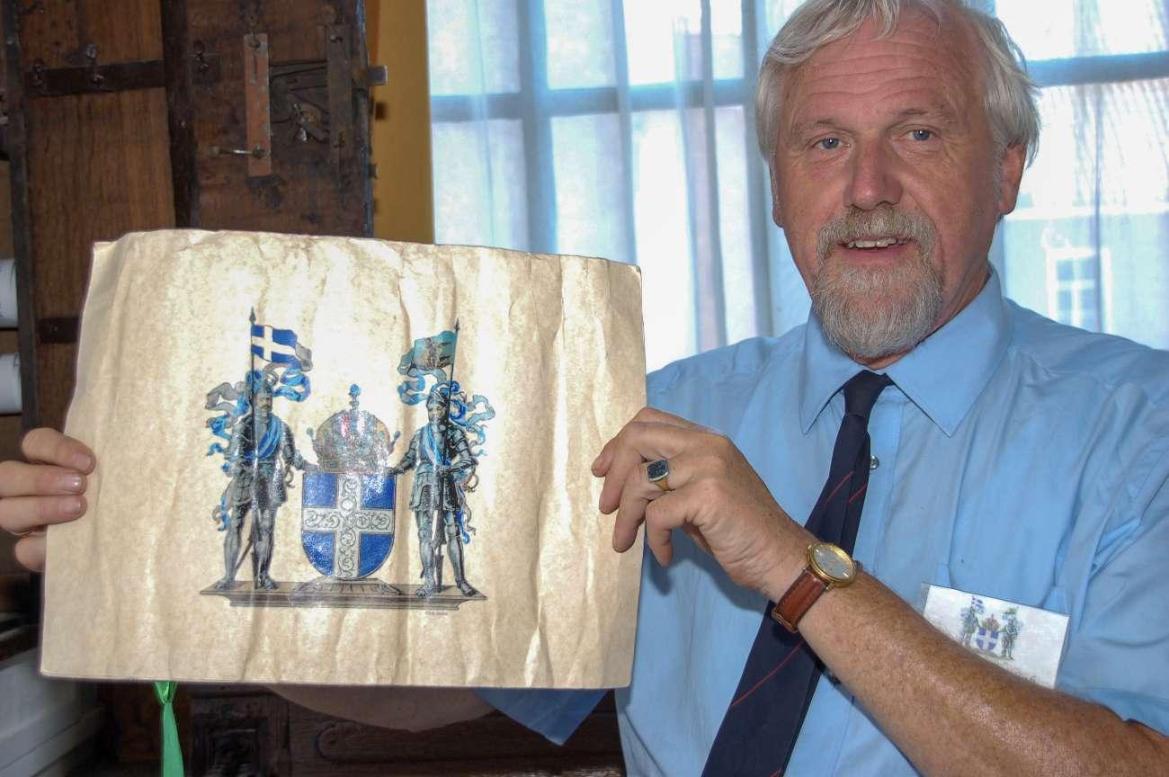 Harry Vrielink aus Zwolle zeigt das Wappen der stolzen Hansestadt