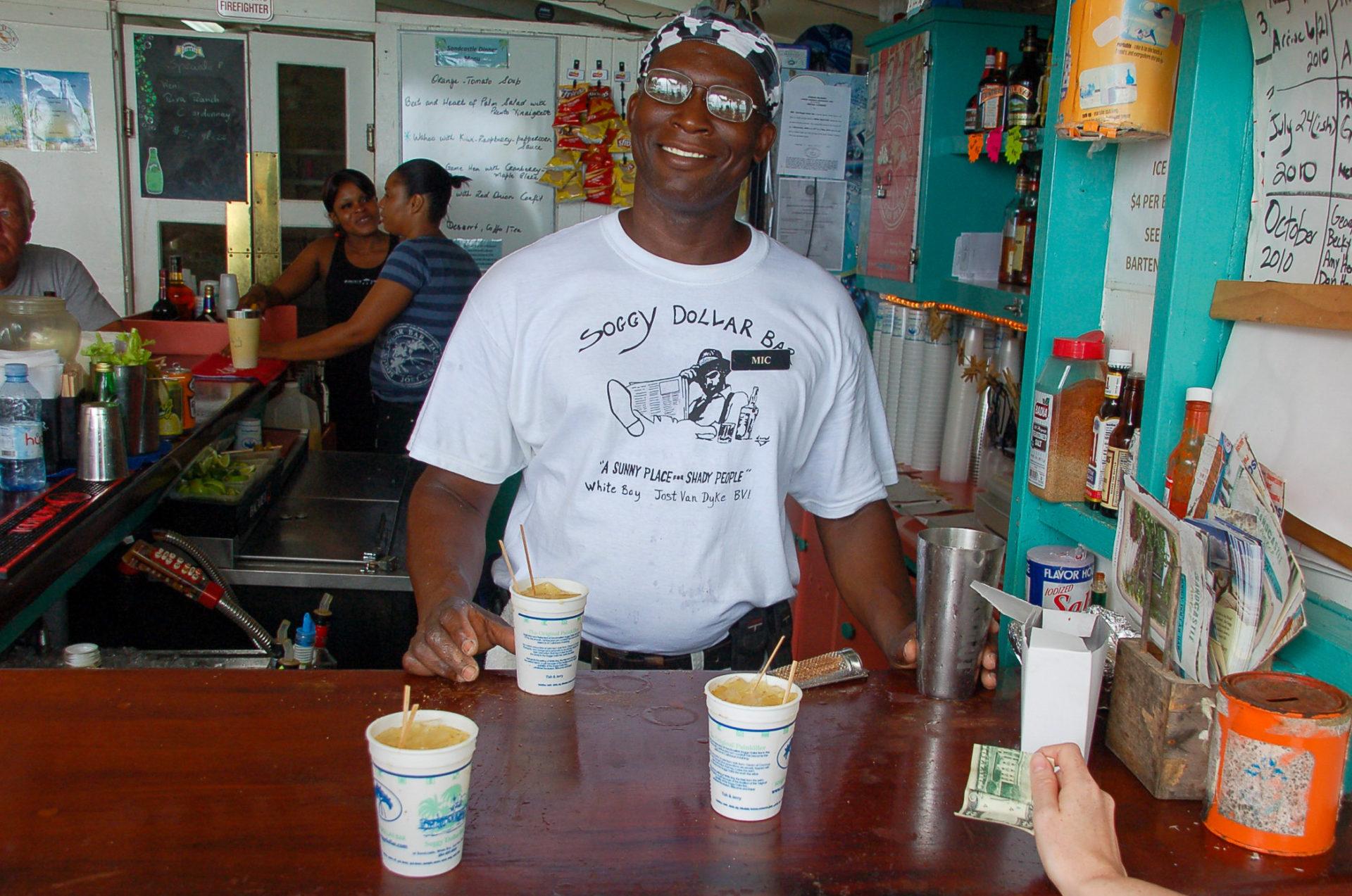 Drinks in der Soggy Dollar Bar gehören zu den Highlights auf den BVI