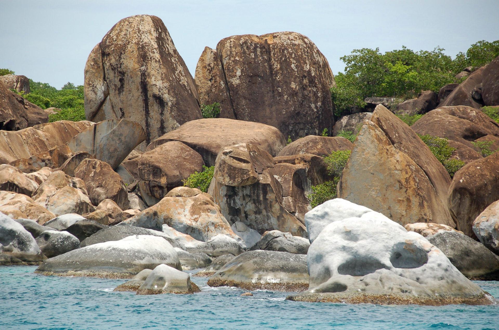 Findlinge direkt nach der Einreise auf die British Virgin Islands