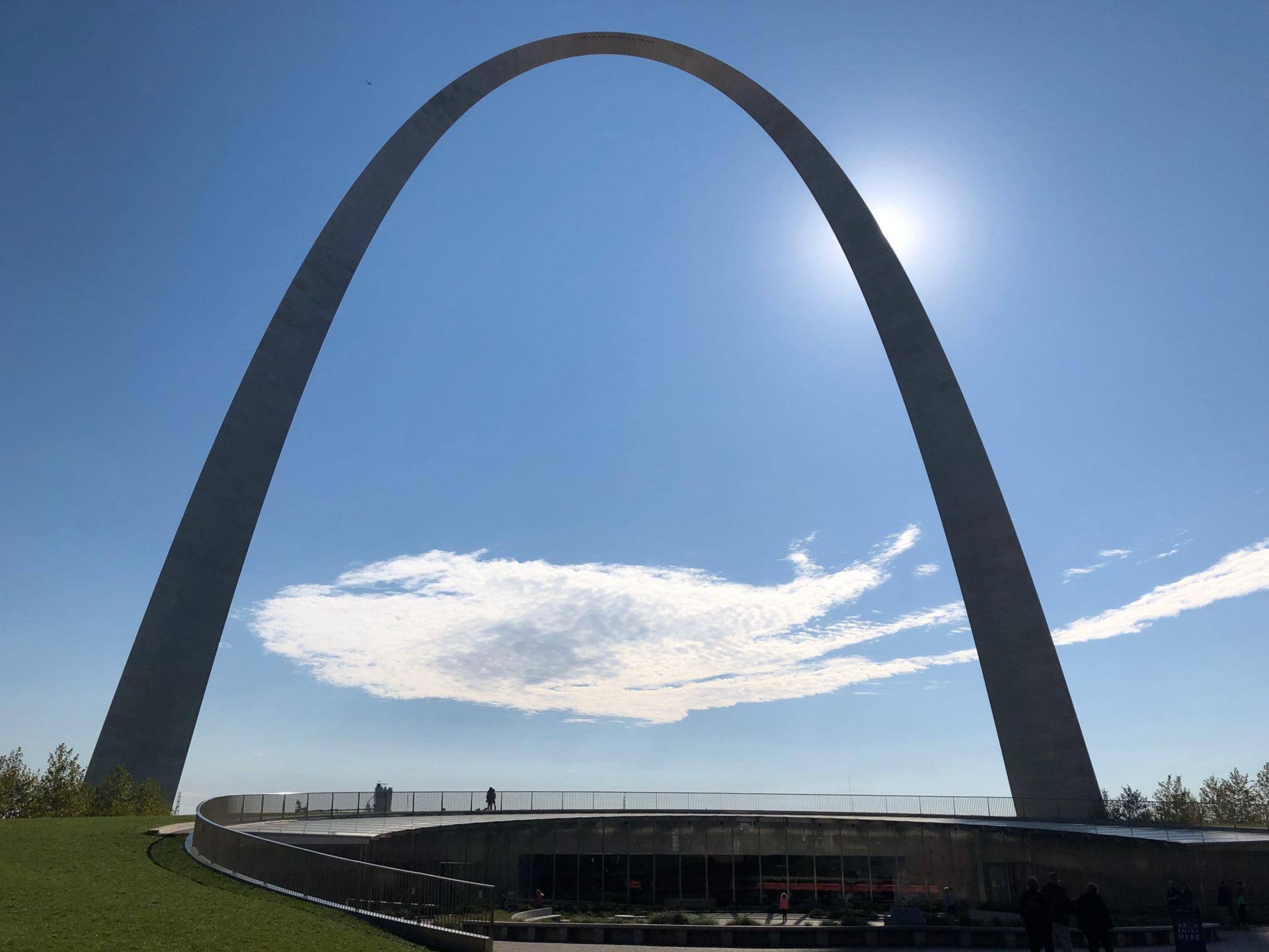Der Gateway Arch ist eine Monument für US-Präsident Thomas Jefferson
