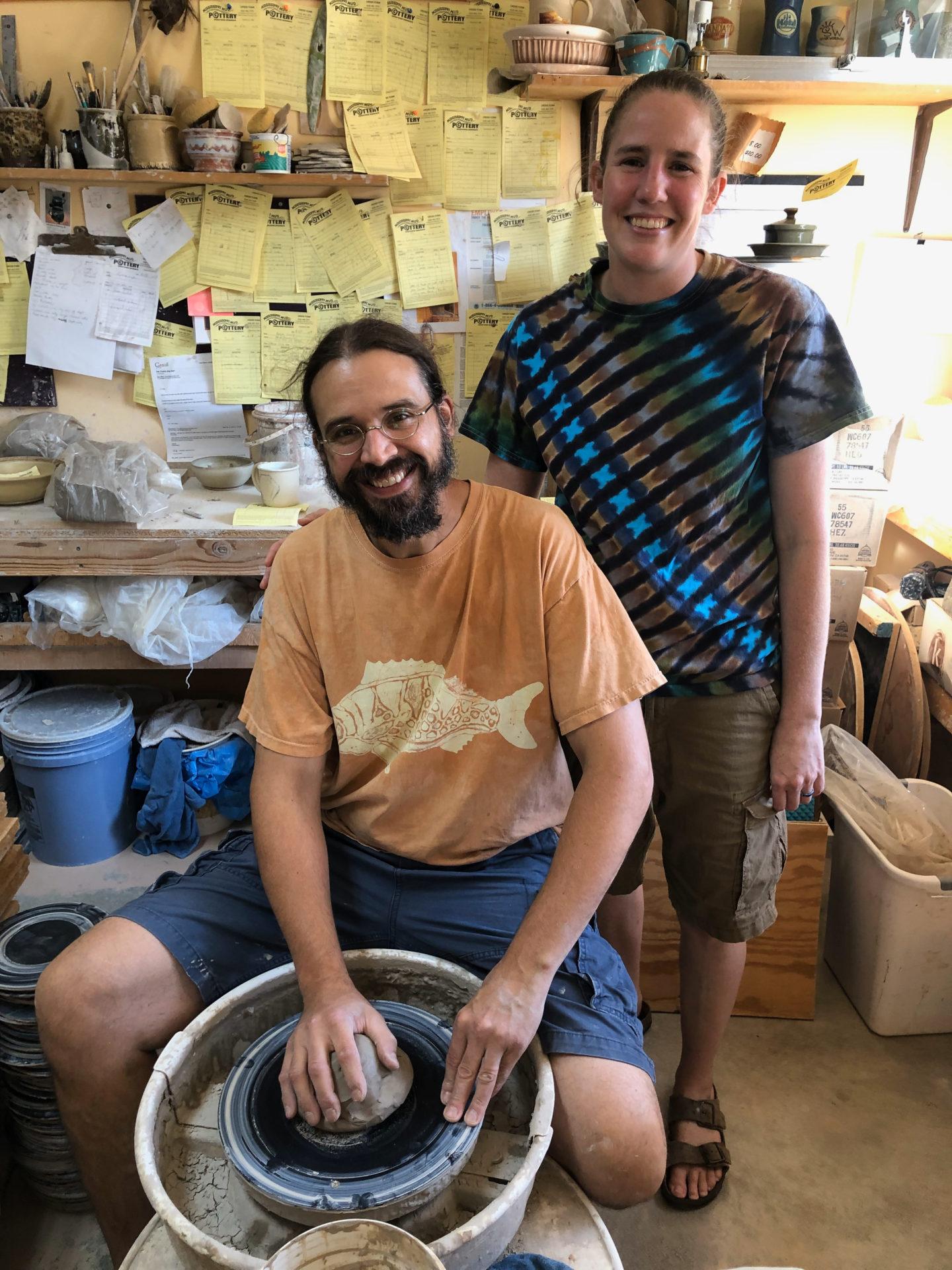 Die Eigentümer der Mississippi Mud Factory in Alton an der Route 66 in Illinois