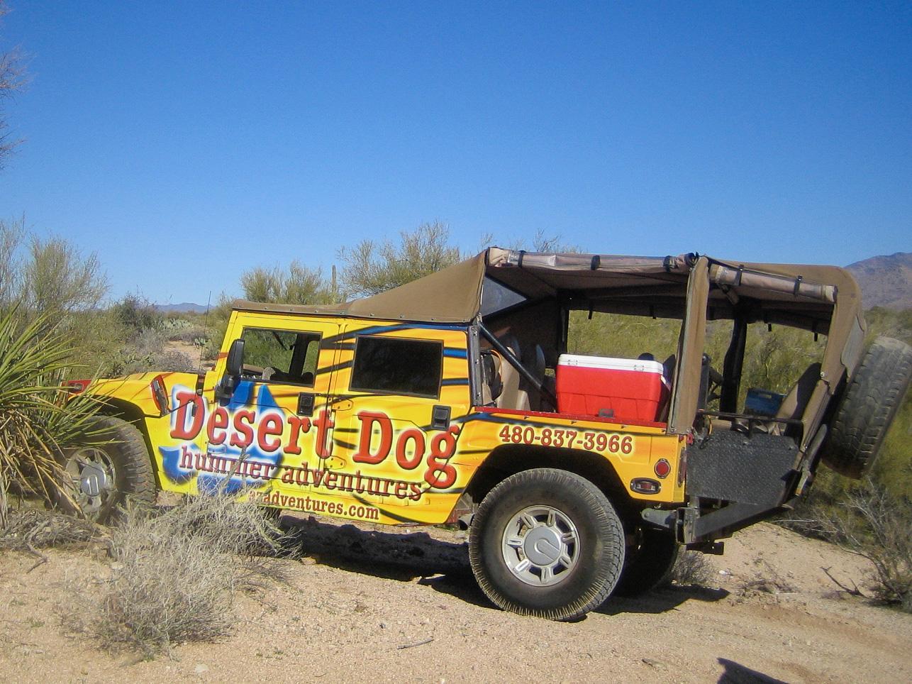 Ein Hummer der Firma Desert Dog in der glamourösen Wüstenstadt Scottsdale