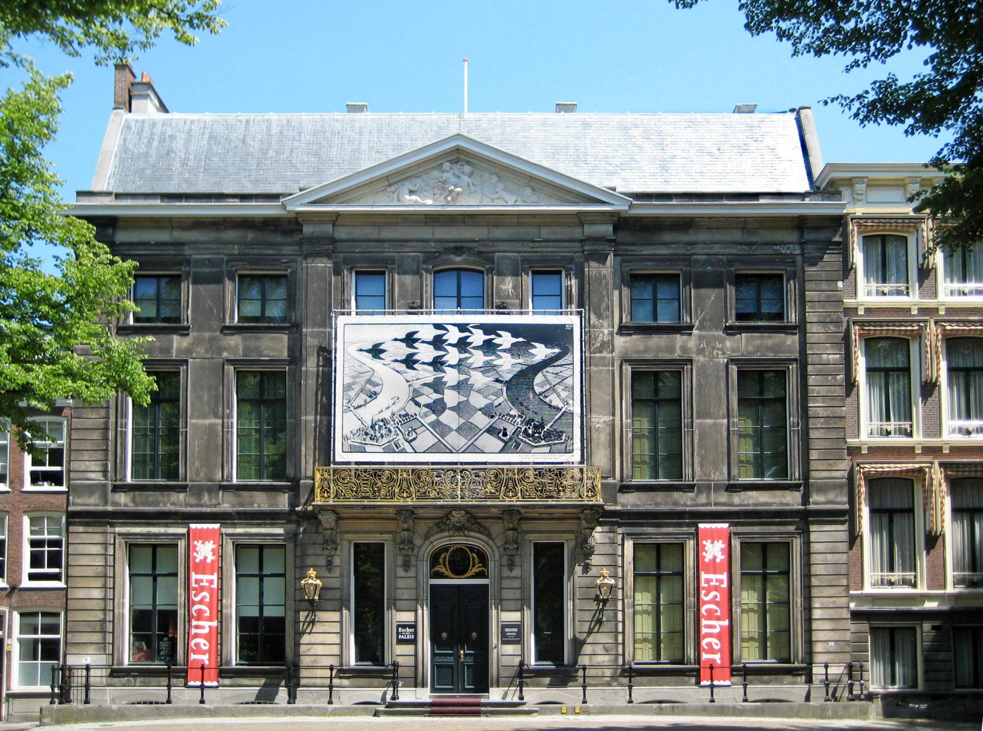 Das Escher in het Paleis ist das coolste Museum in Den Haag, hier eine Außenaufnahme vom Lange Voorhout