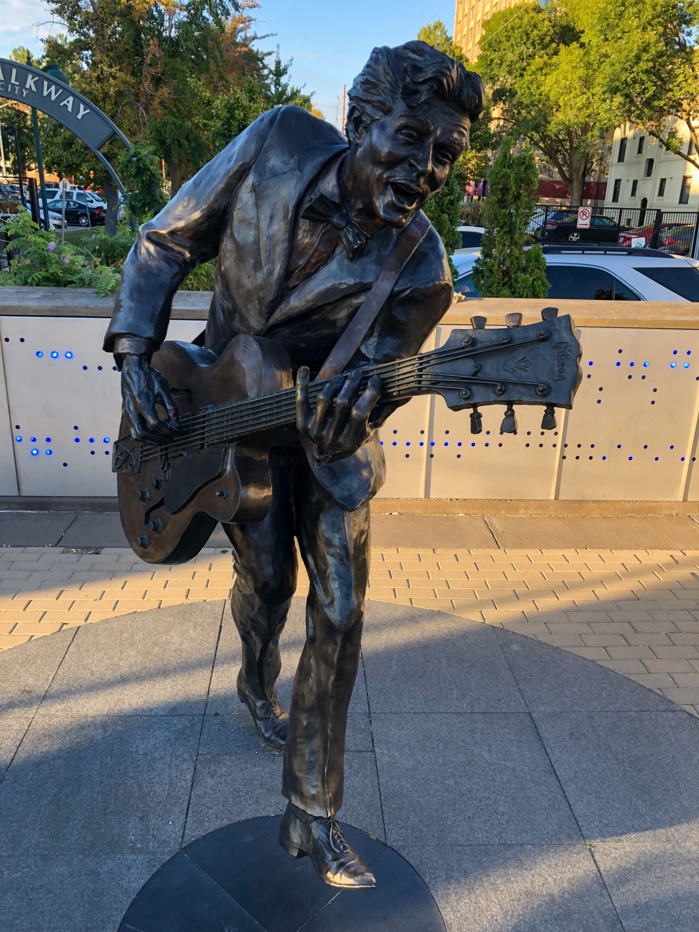 Statue von Chuck Berry am Delmore Loop in Saint Louis an der Route 66