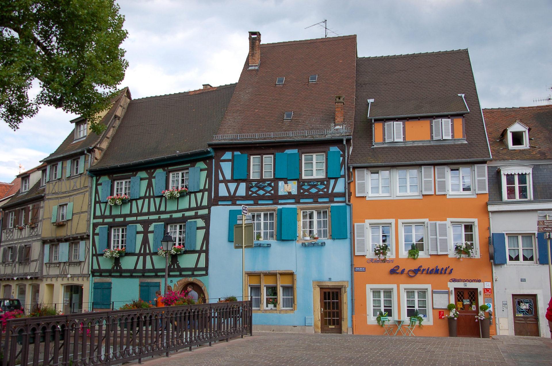 Bunte Häuserfassaden mit Fachwerk in Colmar