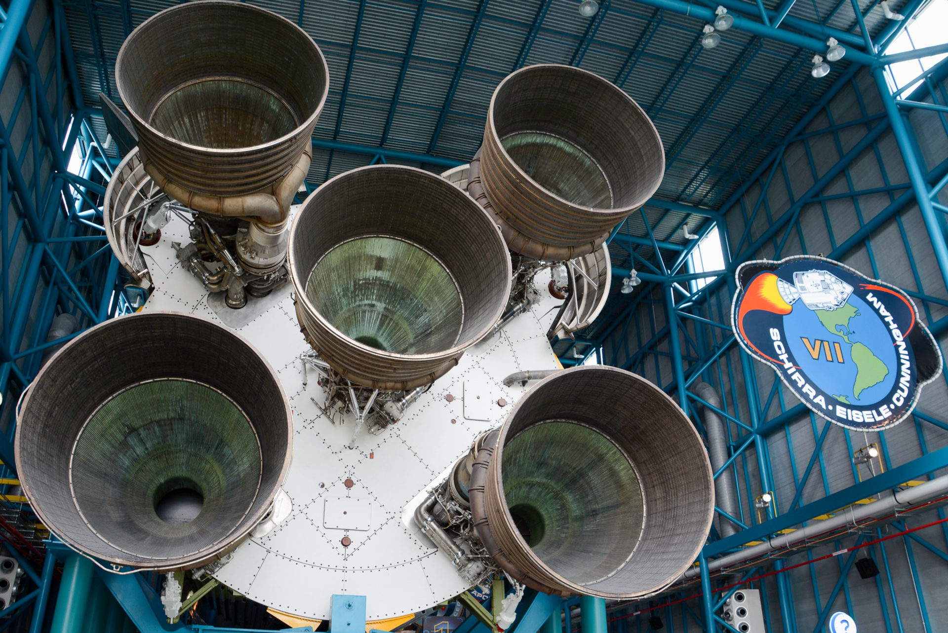 Raketentriebwerke im Kenndy Space Center