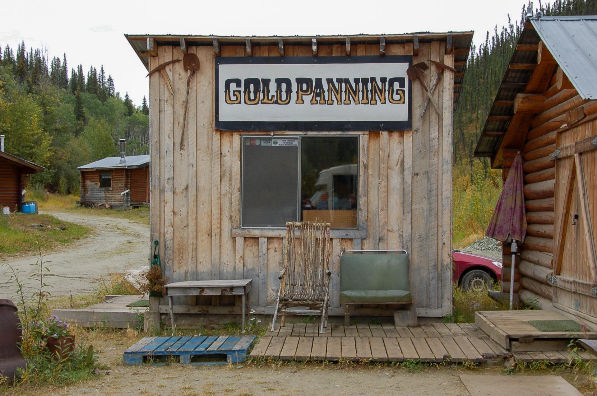 Goldgräberhütte im Yukon in Kanada