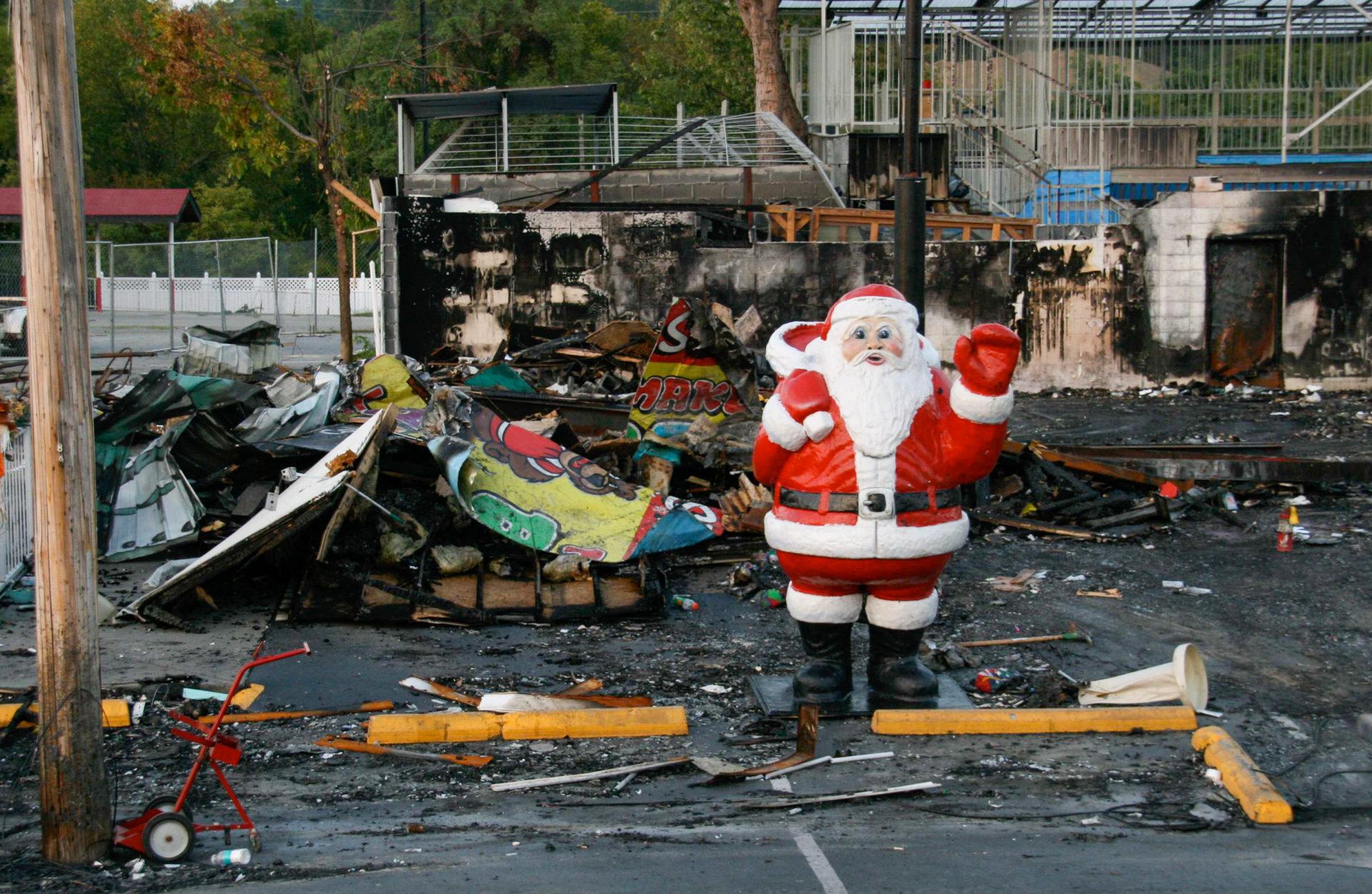 Ausgebrantte Weihnachtswelt in Pigeon Forge, Tennesssee.