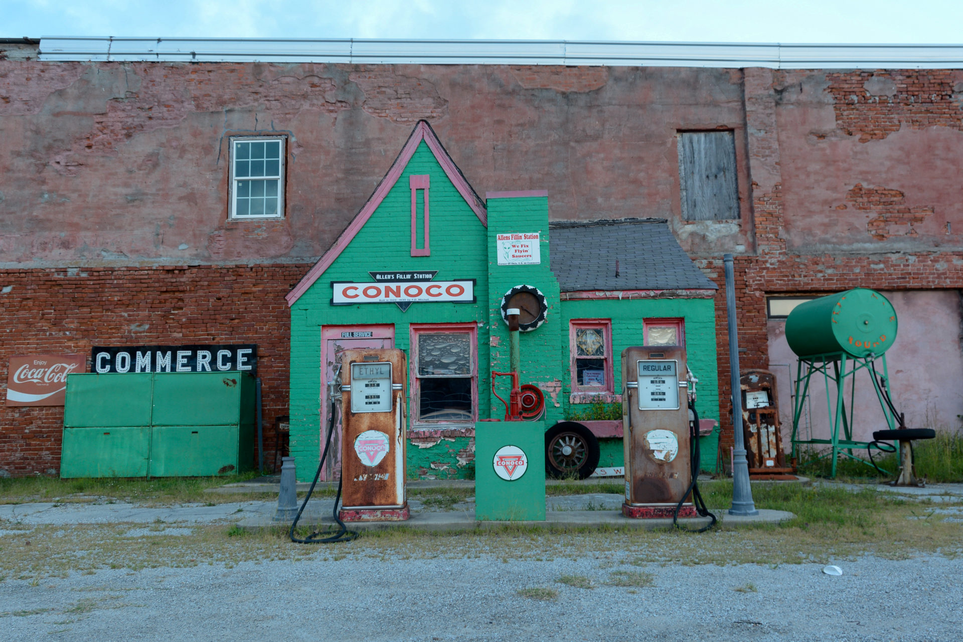 Die Conoco-Tankstelle in Commerce, Oklahoma, ist ein Klassiker an der Route 66
