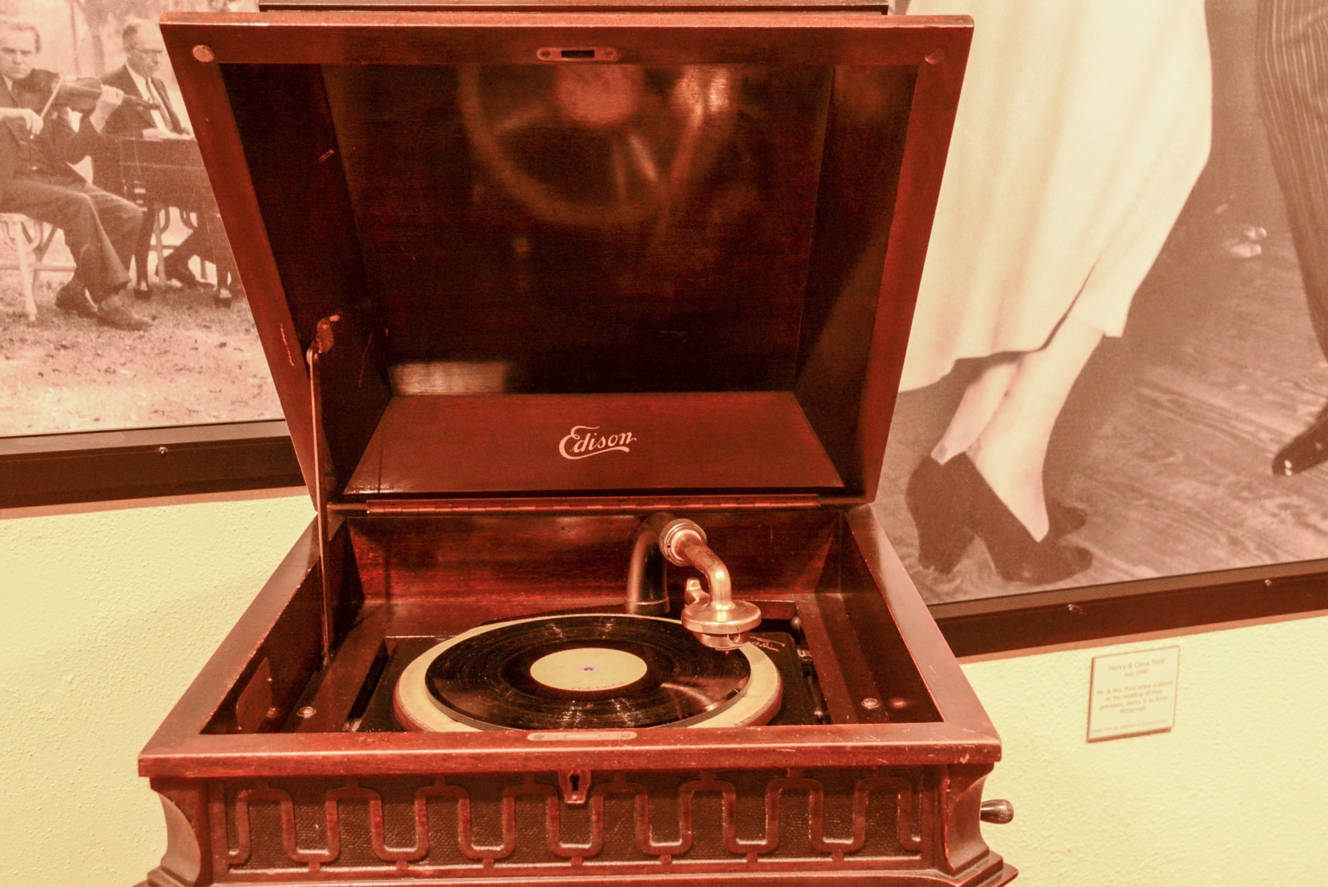Phonograph von Thomas Edison in Frot Myers