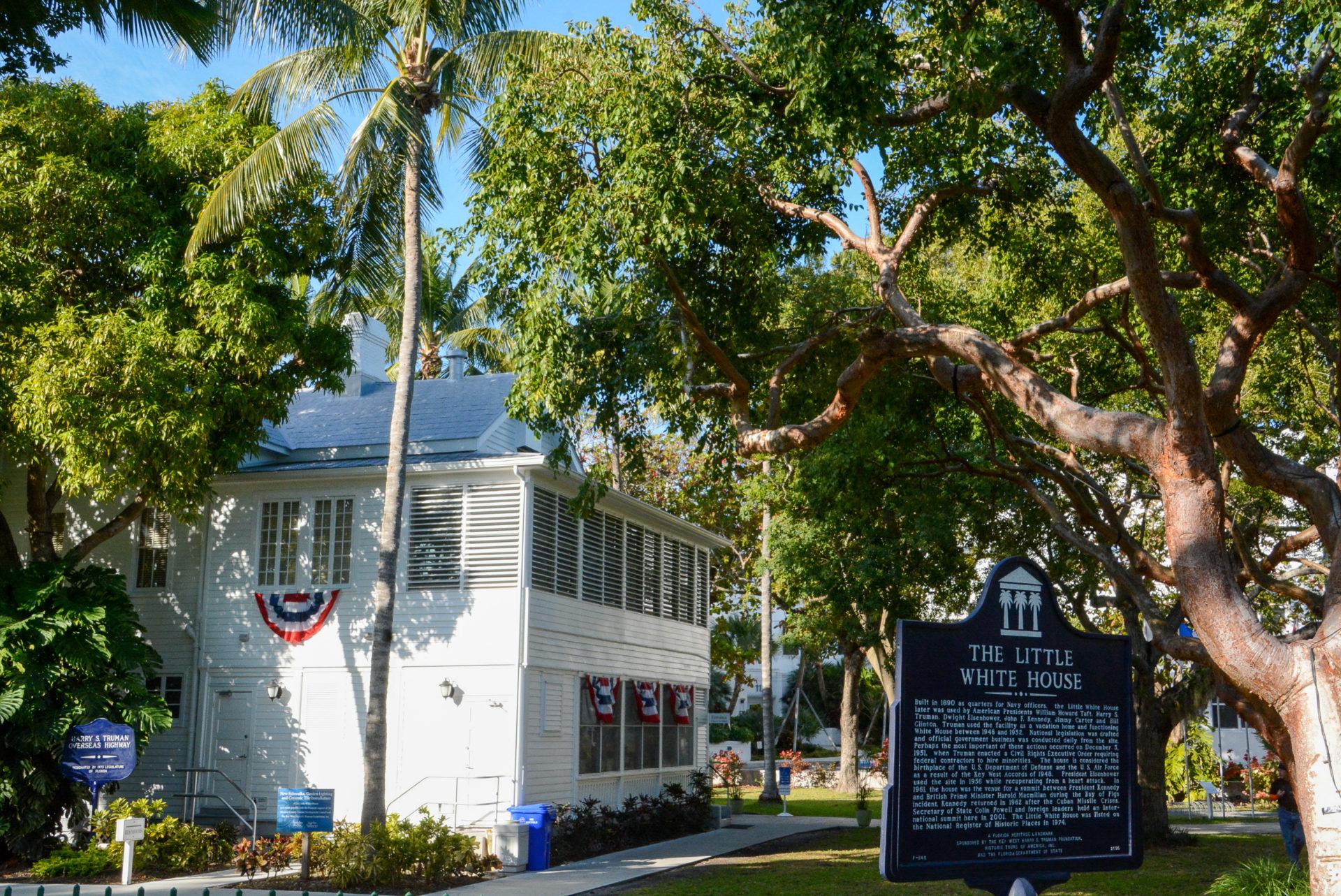 Tropische Vegetation vor dem Little White House auf Key West
