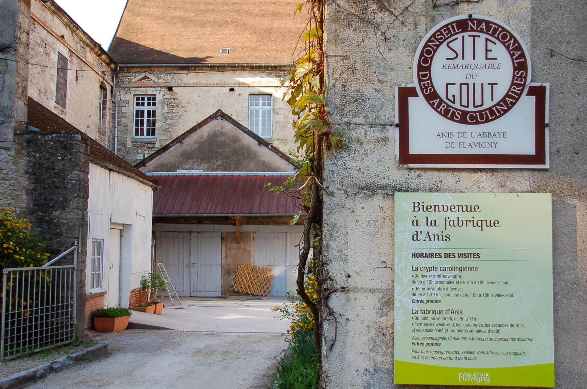 Die Abtei von Flavigny beherbergt die Produktionsstätte der köstlichen Anis de Flavigny