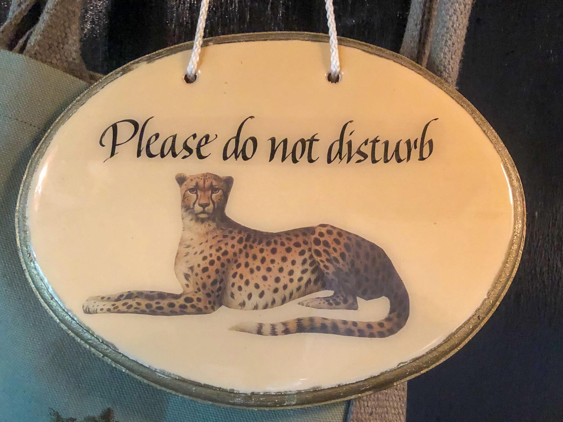 Schild mit Leopard im Royal Malewane