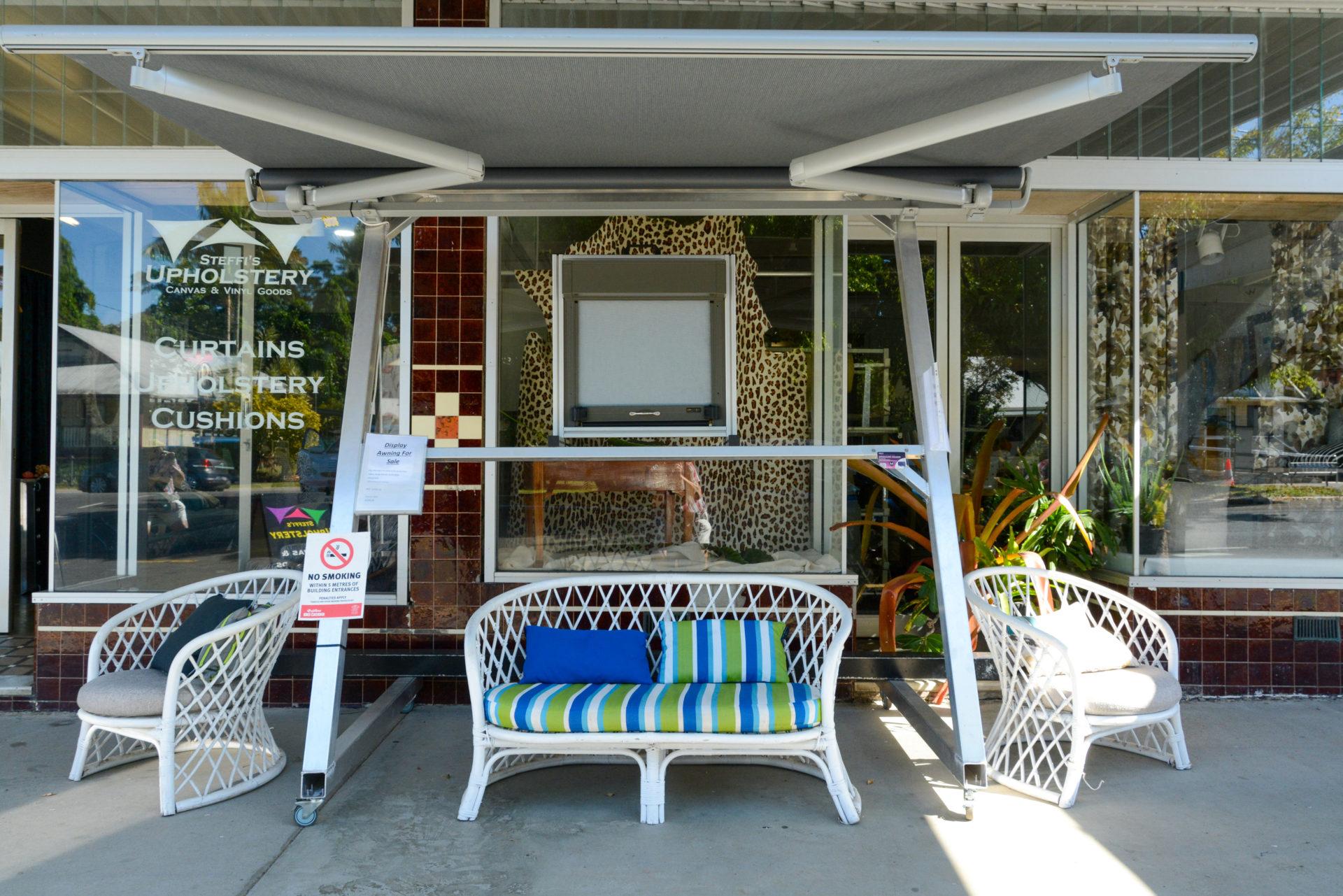 Vintage Laden mit Möbeln in Babinda in Queensland